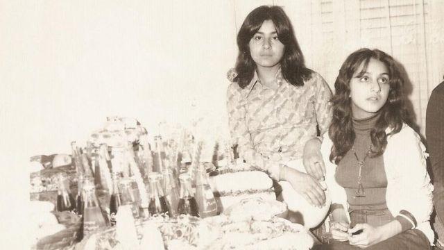 سهیلا جعفری (چپ) در کنار دوست بهآذین