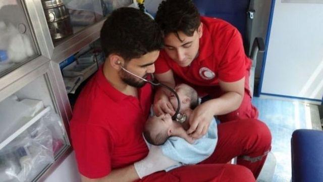 Nawras y Moaz fueron evacuados a Damasco