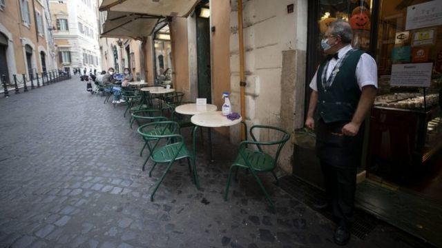 رستورانی در رم