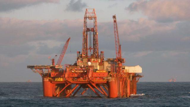 Plataforma petrolera en el mar noruego