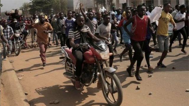 Abatavuga rumwe muri RD Congo bagiriza reta ko ishaka kubima uburenganzira bwabo bwo gutora