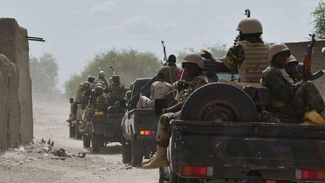 Un convoi de l'armée nigérienne dans la région de Bosso à la suite d'une attaque de Boko Haram en 2016