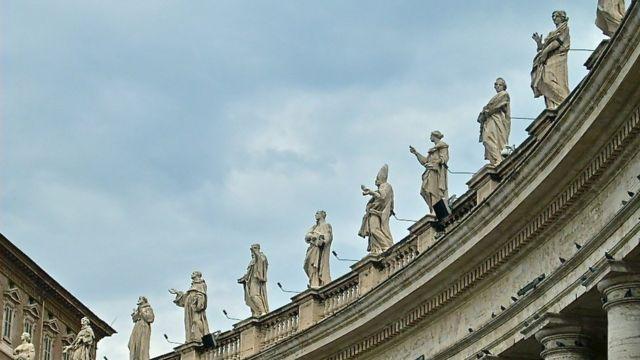 Detalhe da Praça São Pedro, Vaticano.