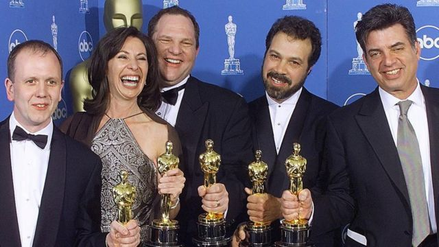Los productores de Shakespeare enamorado, ganadores de la Mejor Película en 1998.