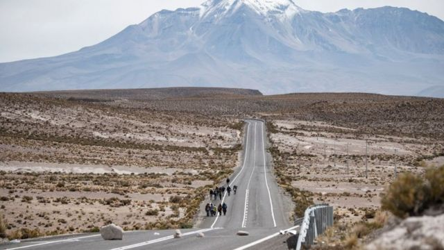 Muchos migrantes entran de manera irregular a Chile por la pequeña localidad de Colchane, a pocos kilómetros de la frontera con Bolivia.