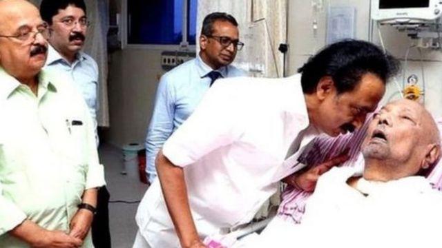 LIVE: கருணாநிதி மரணம்: குடியரசுத் தலைவர், பிரதமர் இரங்கல்