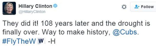 「やった! 108年たってやっと干ばつが終わった。カブスが見事に歴史を作りました。勝利の旗を掲げて」とクリントン氏はツイート。スタッフではなく本人が書いた印にイニシャル「H」で結んでいる