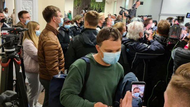 Yolcular Vilnius'a indikten sonra yaşadıklarını anlattılar