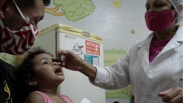 Agente de Saúde da Vacina Infantil em Manaus