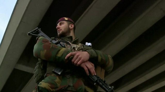 Soldier patrols at Brussels airport