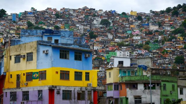 Today, most people think of bright and colourful designs when they first think of a favela