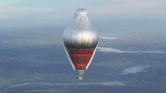 Шар Федора Конюхова на высоте более 6 тысяч метров над западной Австралией 12 июля