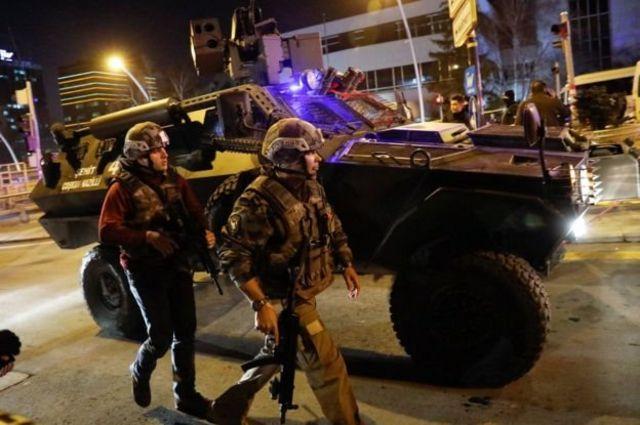 हमले के बाद तुर्की की सड़कों पर पुलिस