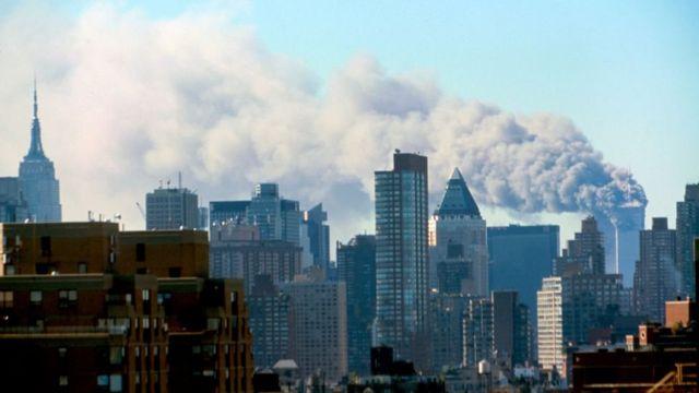 Vista de Manhattan tras el atentado contra las Torres Gemelas en Nueva York.