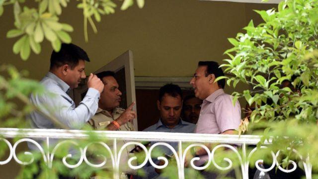 रोहित शेखर घर पर जांच करने पहुंची दिल्ली पुलिस की क्राइम ब्रांच की टीम