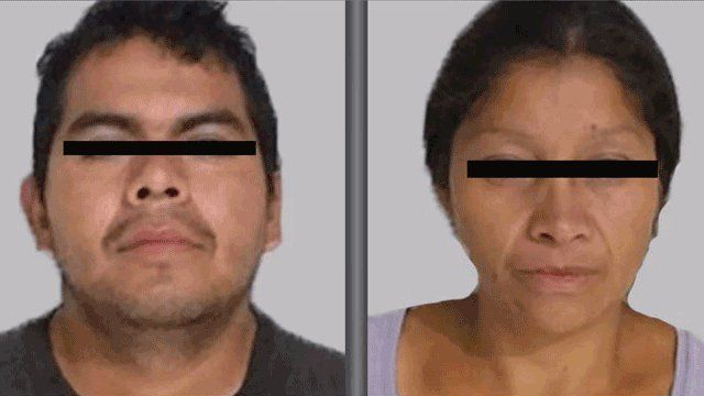 Aviso de la policía sobre la búsqueda de los acusados de feminicidios.