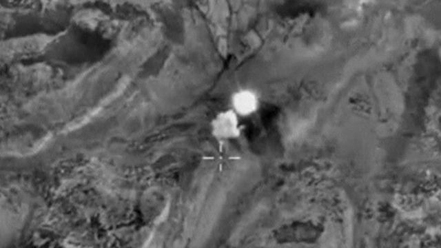 ロシアがシリア・イドリブ県で実施した空爆の様子(19日、ロシア国防省の発表資料から)