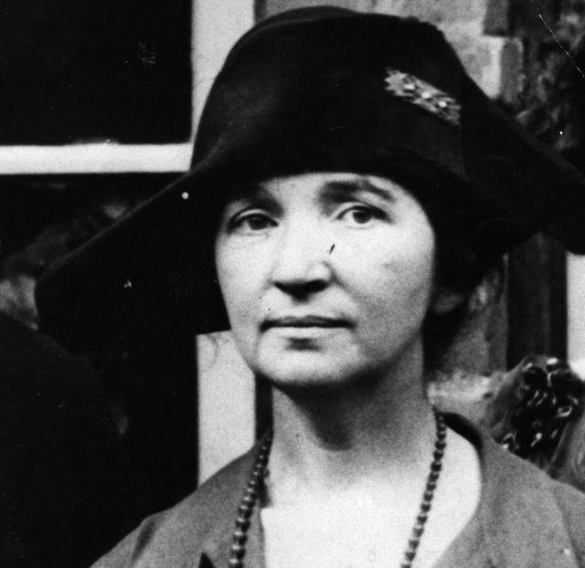 マーガレット・サンガーは1916年、米国で最初の家族計画センターを設立。当時、避妊と妊娠中絶は違法だった