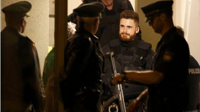 Polícia vasculha apartamento do atirador de Munique