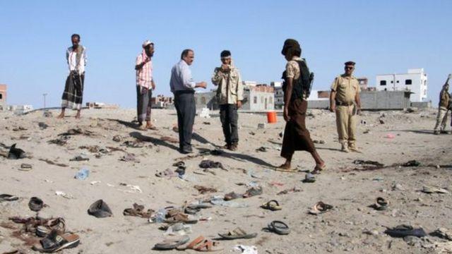استهدفت مجموعات جهادية في السابق تجمعات للجيش اليمني
