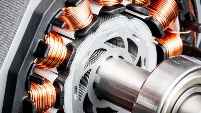 Motor con cobre