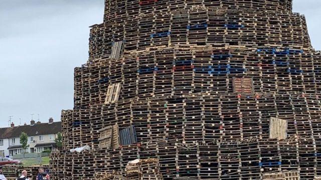 Bonfires: Council contacted 35 businesses over 'unsafe' Portadown site