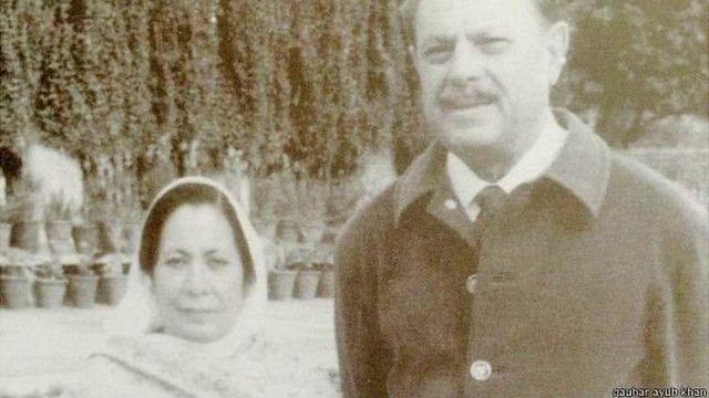 மனைவியுடன் பாகிஸ்தான் அதிபர் அயூப் கான்
