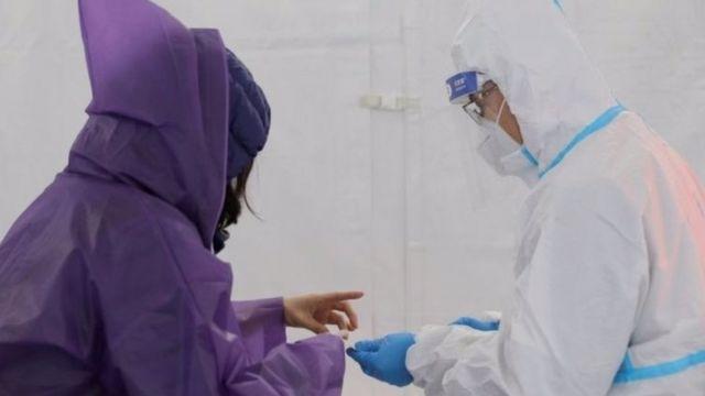 Во всех странах сейчас упор делается на лабораторное выявление антител к коронавирусу