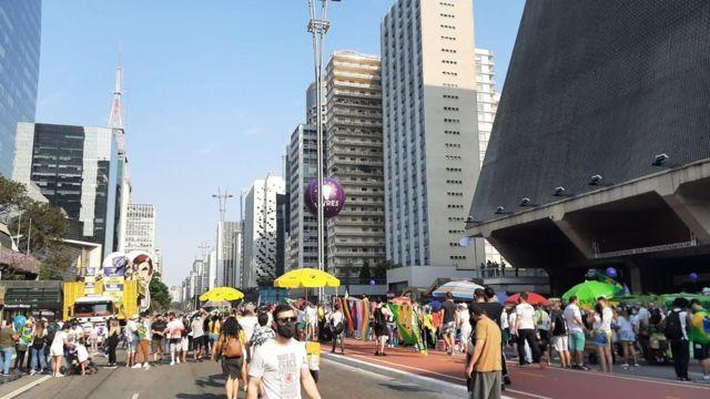 Pessoas reunidas em ato na Paulista em 13/09/2021