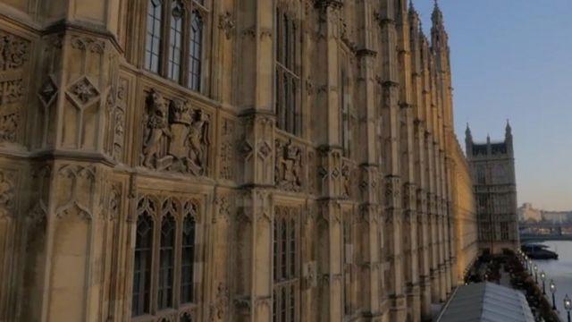 Bill for public sector wage rises £820m, estimates IFS