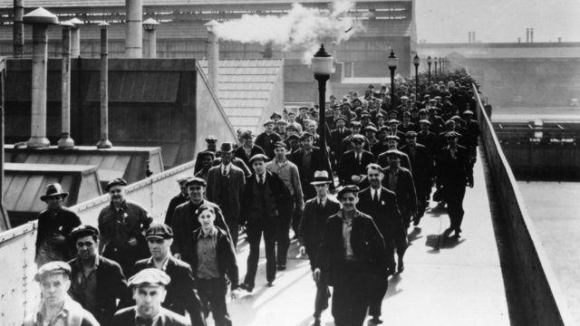 Trabajadores de Ford en Detroit en 1930.