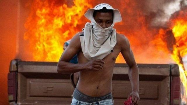 વેનેઝુએલામાં હિંસાની તસવીર