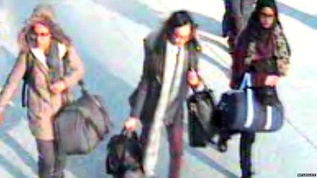 (L-R) Amira Abase, Kadiza Sultana and Shamima Begum at Gatwick Airport in 2015