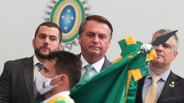 Bolsonaro em cerimônia militar em 1° de setembro