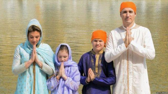कनाडा के प्रधानमंत्री जस्टिन ट्रूडो परिवार के साथ स्वर्णमंदिर में