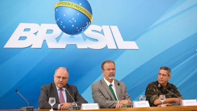 O ministros do Gabinete de Segurança Institucional, Sérgio Etchegoyen, da Defesa, Raul Jungmann, e o comandante Militar do Leste, General Braga Netto, falam sobre o decreto de intervenção no Rio
