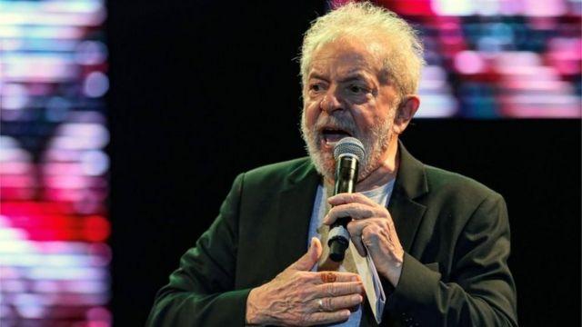 Lula discursa em evento em Recife