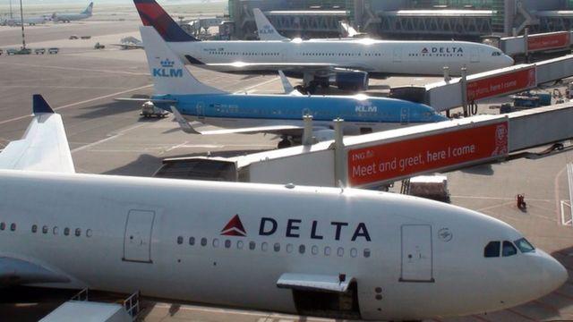Aviones estacionados.