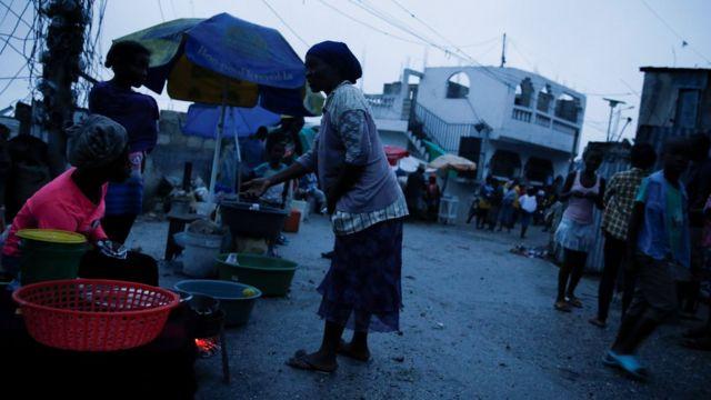 Port-au-Prince şəhərində bazar