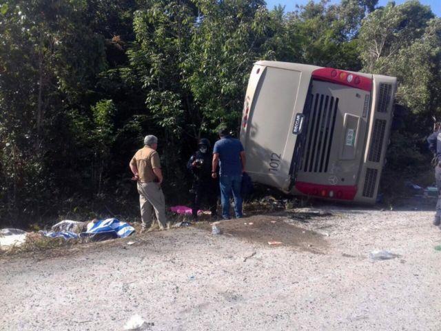 El autobús accidentado.
