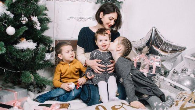 Залина Хадикова с детьми