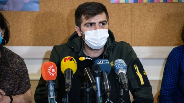 Gökhan Güneş, kendisinden haber alınmayan altı günün ardından İnsan Hakları Derneği'nde basın açıklaması yaptı.