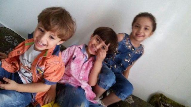 الطفلة السورية بنى العابد وشقيقاها