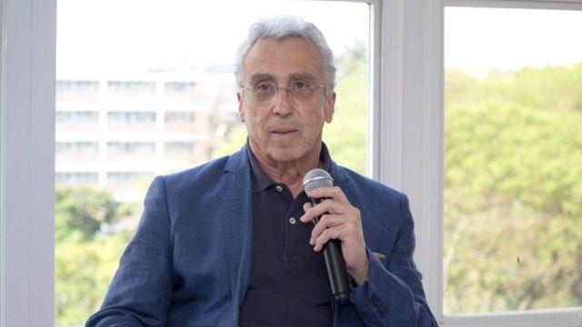 O professor Teixeira Coelho