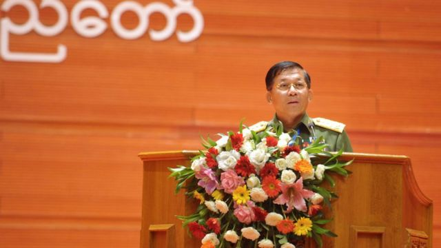 Commander-in-chief Senior Gen Min Aung Hlaing speaks during the second session of the Union Peace Conference in Naypyidaw on May 24, 2017