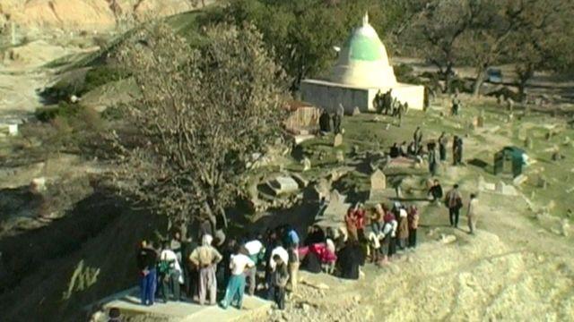 نمایی از فیلم 'چه سرسبز بود دره ما'