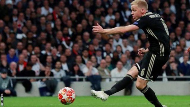 Donny van de Beek, anaweza kuondoka Manchester United