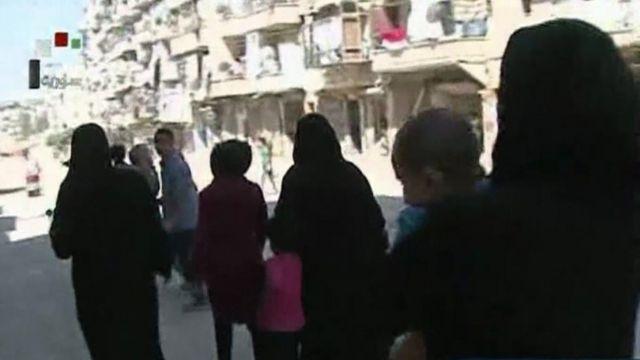 Families leave Aleppo