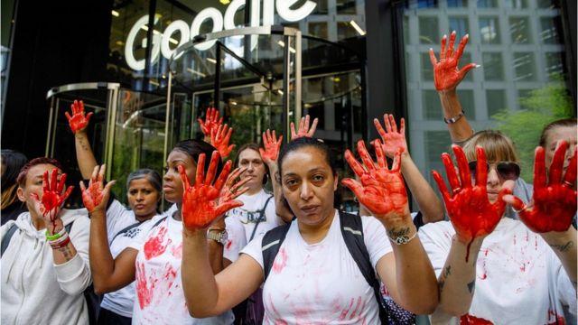 Протест у лондонского офиса YouTube