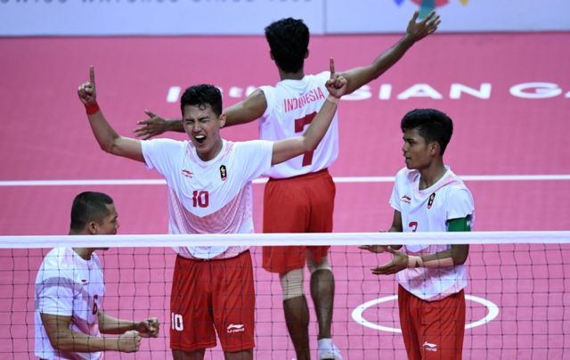 Sepak Takraw Raih Emas Ke 31 Jokowi Ajukan Indonesia Tuan Rumah Olympiade 2032 Bbc News Indonesia